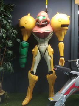 Metrois Prime Nintendo Figur Life Size.j