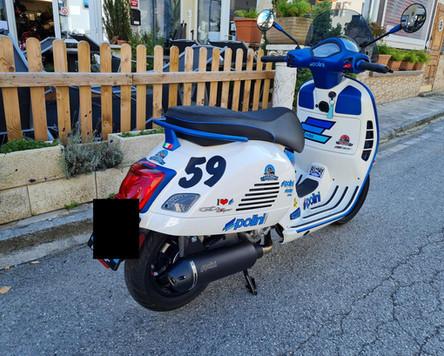 Vespa GTS 300 Super Sport Weiß Blau matt Polini Design Scooter Center Egger Mils (4).JPG