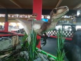 Jurrasic World Raptor Life Size - Muckle