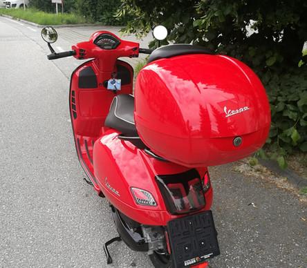 Vespa GTS 300 Tuning Vesparossa Scooter Center Egger  (5).jpg