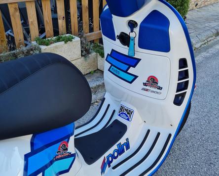 Vespa GTS 300 Super Sport Weiß Blau matt Polini Design Scooter Center Egger Mils (5).JPG