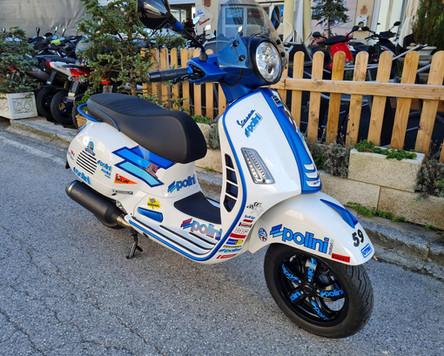 Vespa GTS 300 Super Sport Weiß Blau matt Polini Design Scooter Center Egger Mils (1).JPG