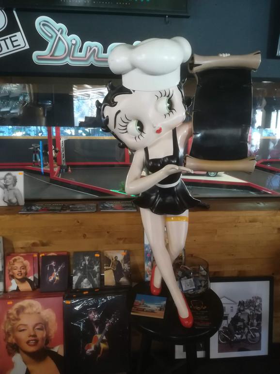 Betty Boop  Figur Life Size.jpg