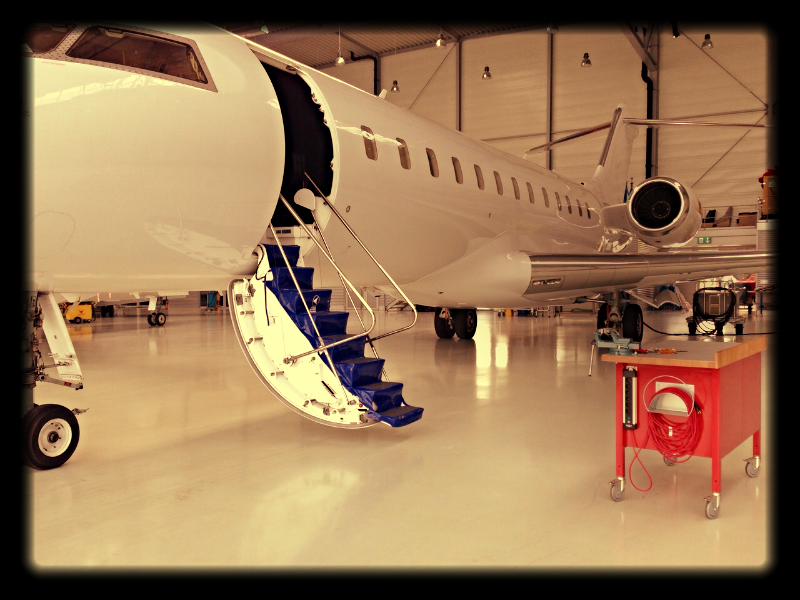 Global Express_Orange Jets_Hangar