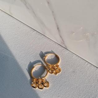 916 Gold Heart Hoop Earrings