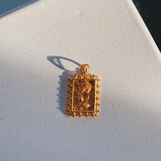 916 Gold Enchanted Rose Pendant