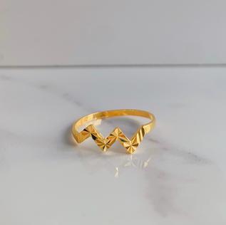 916 Gold Modern Cut Ring