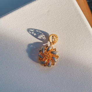 916 Gold Bloomed Hibiscus Pendant