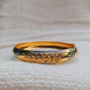 916 Gold Studded Bangle
