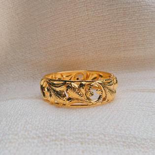 916 Gold Daun Bangle