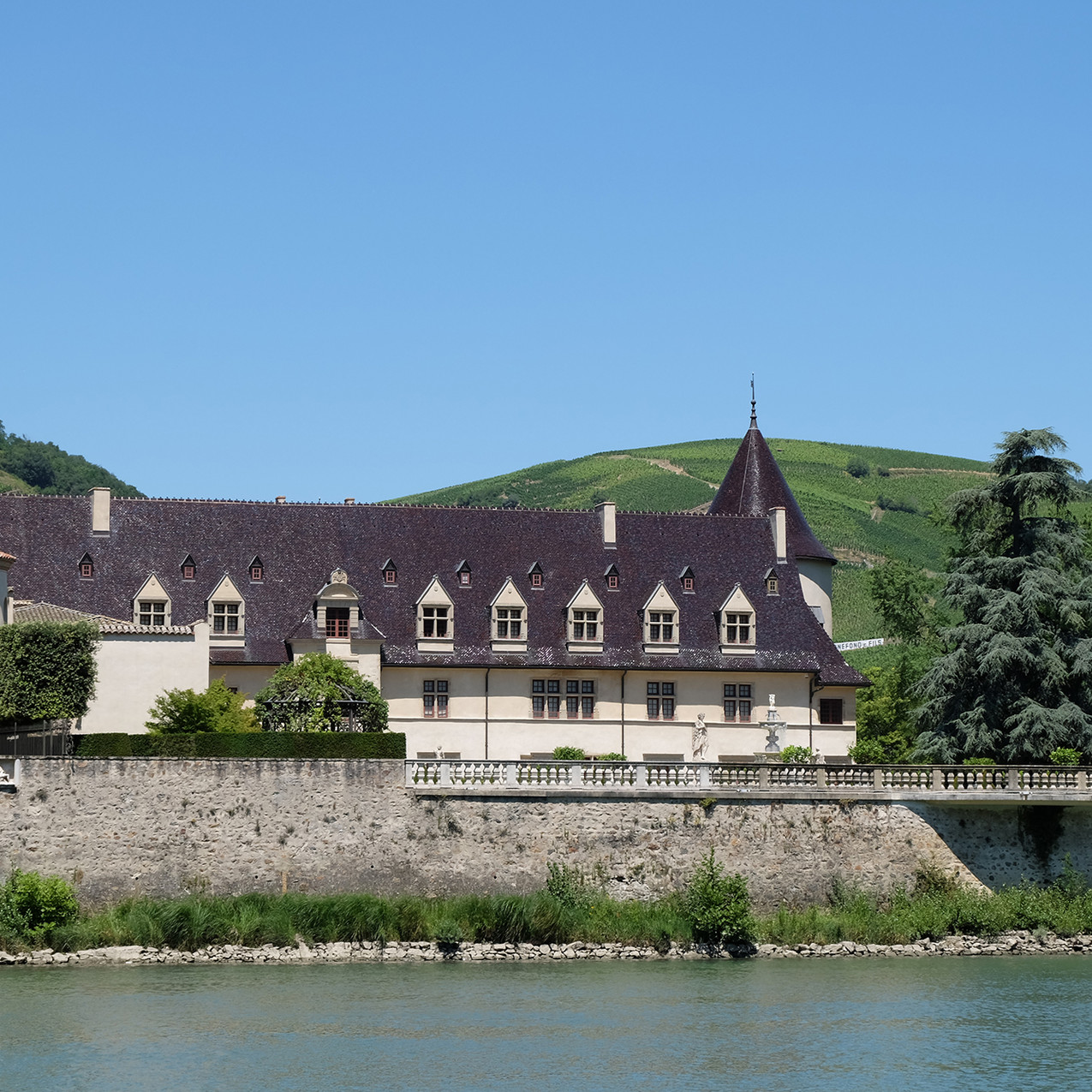 Le Chateau d'Ampuis, propriété des vignobles Guigal