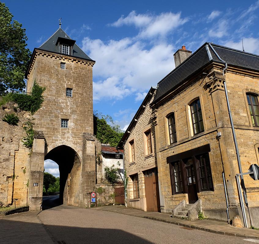 Mouzon. La Tour-Porte de Bourgogne