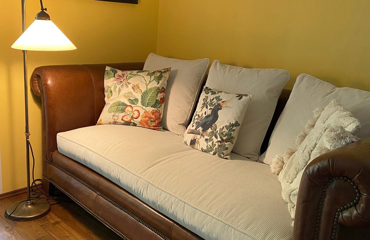 Amerikanisches Sofa - Matratze und Kissen neu aufgepolstert & bezogen - Stoff Zimmer & Rhode