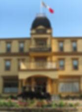 Château_Vertical_avec_drapeau-2015.jpg