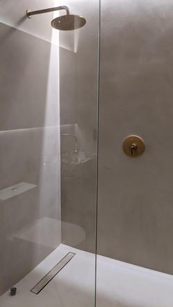 Tadelakt Shower and Tadelakt Floor in Mi
