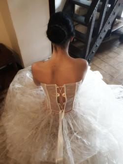 Corsetto da sposa in tessuto a rete con base in glicine