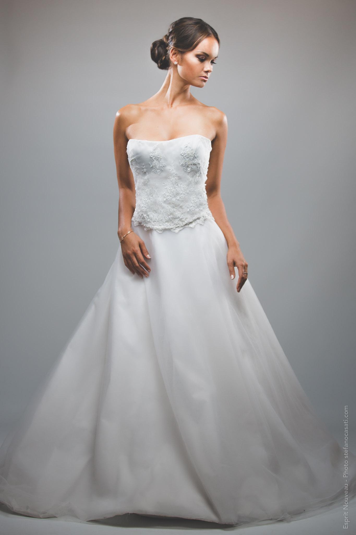 abito da sposa con gonna a ruota in taffetas anni '50 e tulle
