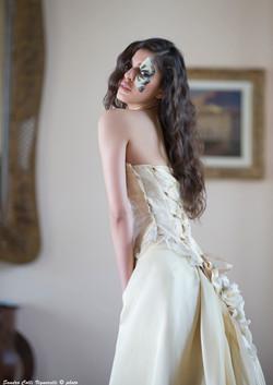 Corpetto da sposa steccato con incrocio dietro, particolare