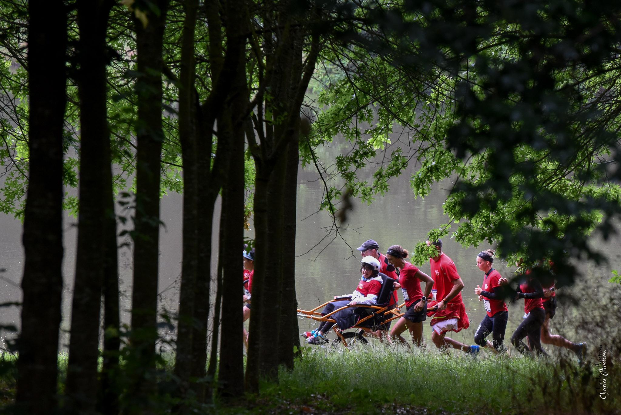 08-2017-07-09 10km Aizenay- Dans les bois - Joelette No 1 (photo Charles Piveteau)