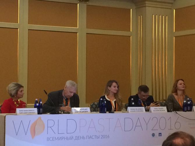 Олег Медведев подписал научный консенсус на Всемирном дне пасты 2016