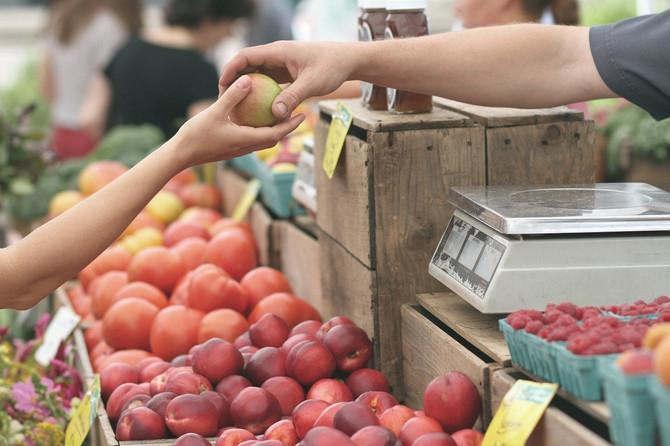 В России резко упал спрос на фрукты и овощи