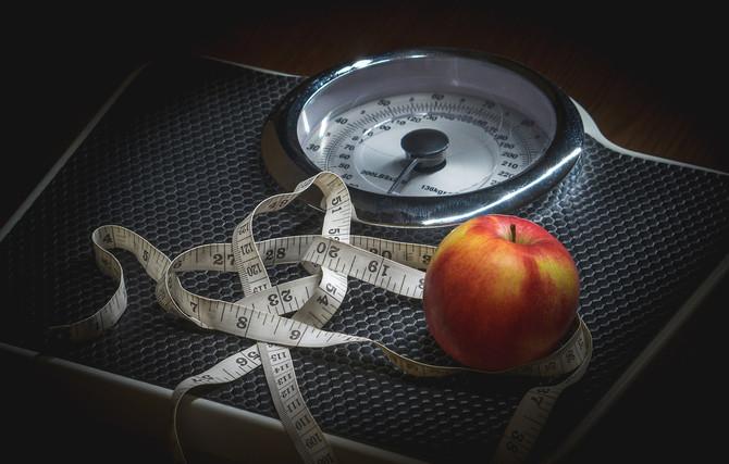 Потеря веса меняет отношение к рекламе еды