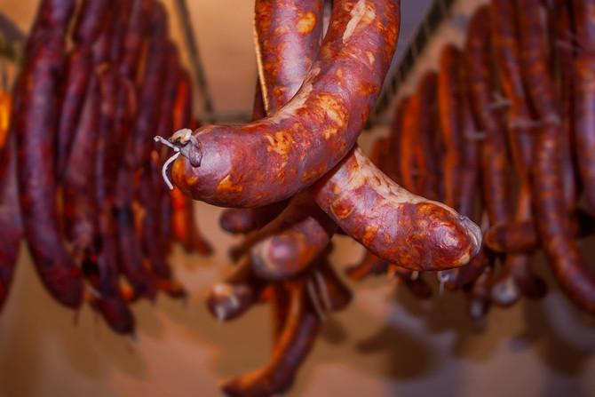 Красное мясо и мясопродукты провоцируют неалкогольный цирроз печени