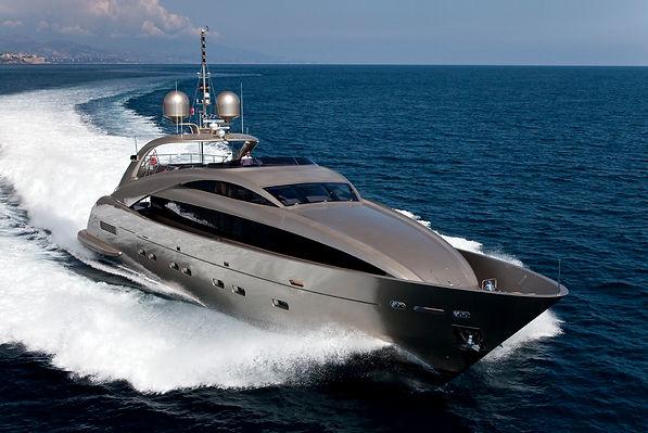 ISA Yachts 120 lines