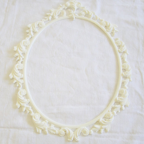 Large Cameo Frame