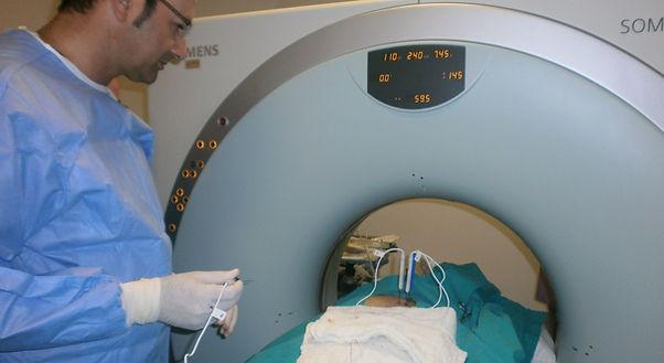 Pankreas kanserinde girişimsel onkolojik tedaviler.