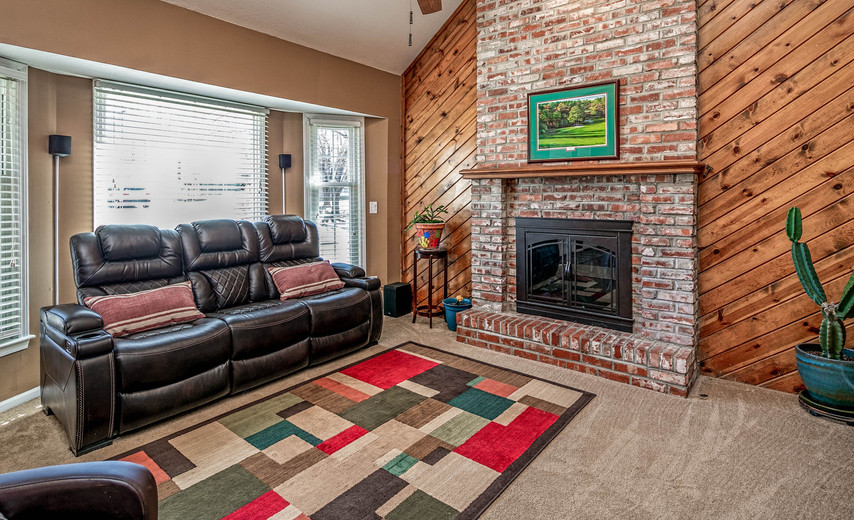 Enjoy family time in the spacious living room!