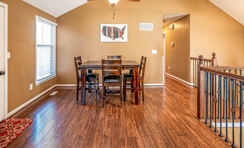 Open eat-in kitchen with plenty of space!