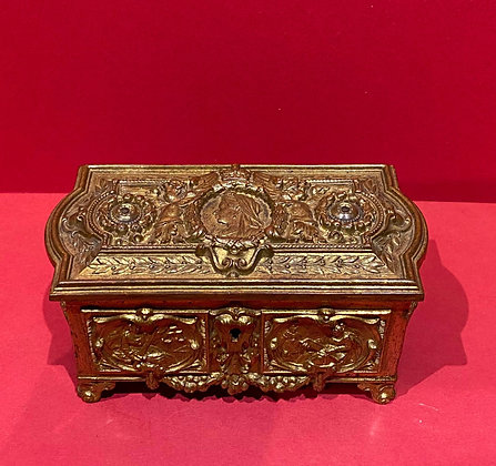 Queen Victoria 1897 Jubilee Gilt Bronze Box