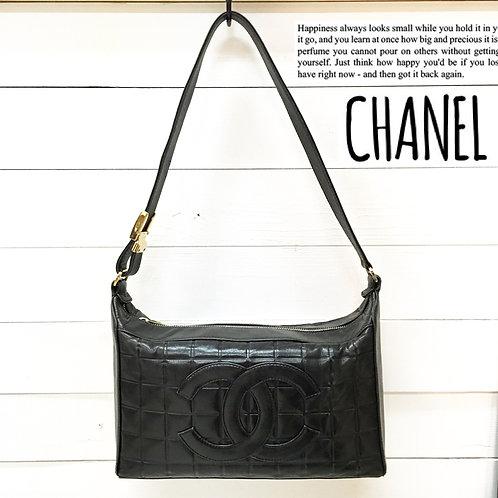 CHANEL / シャネル チョコバー ココマーク ショルダーバッグ ラムスキン BLACK