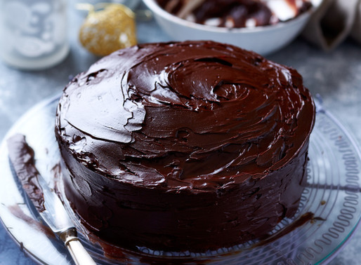 Vegan Keto Chocolate Fudge Cake