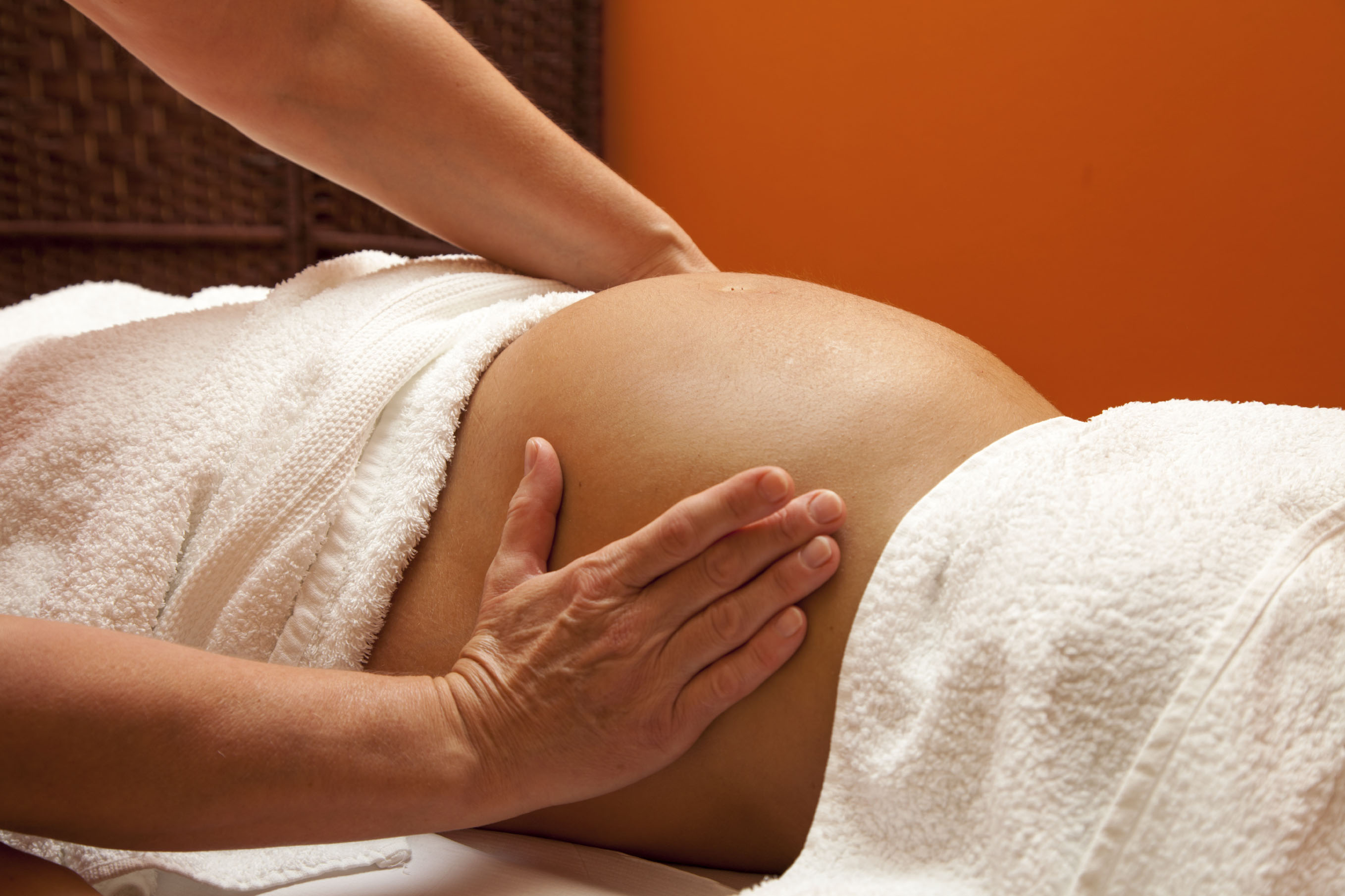 pregnancy-massage-mamas-retreat