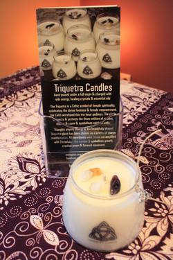 triquetra-candles