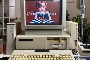 "If ""The Queen's Gambit"" Were an '80s MS DOS Chess Game …"