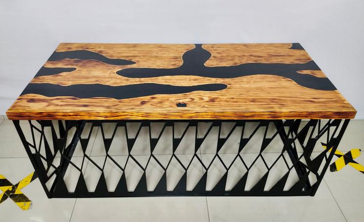 Mesa de resina.jpg