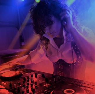 DJ DAYANNA