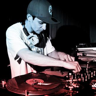 DJ ARTIE