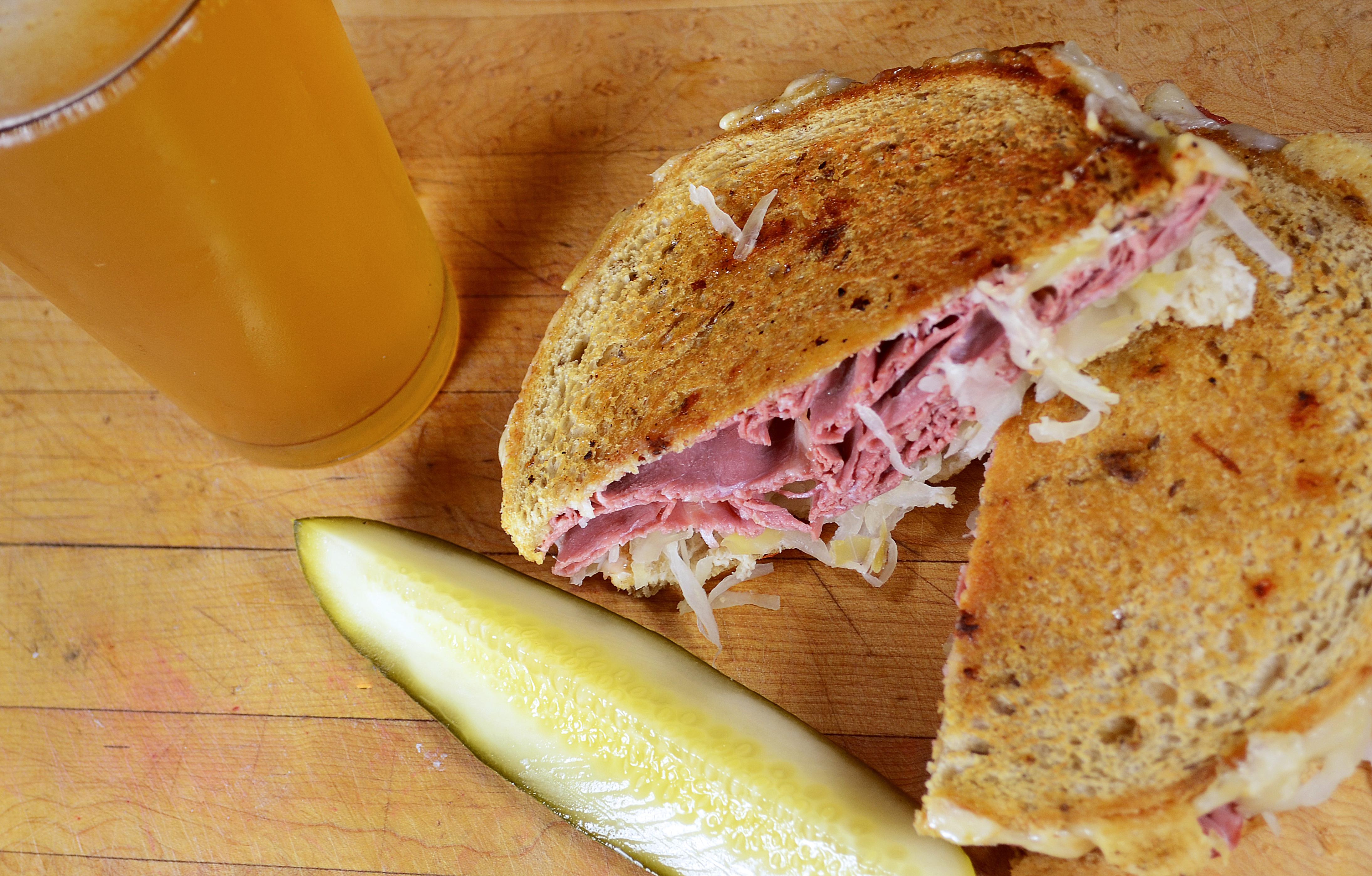 Joyce (reuben sandwich)