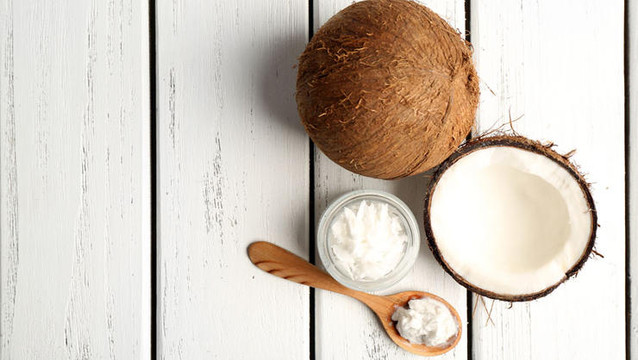 5 BEAUTY PRODUCTS COCONUT OIL CAN REPLACE