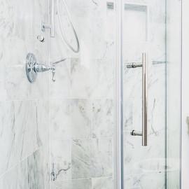 Frameless glass shower door 🚿 #jencontr