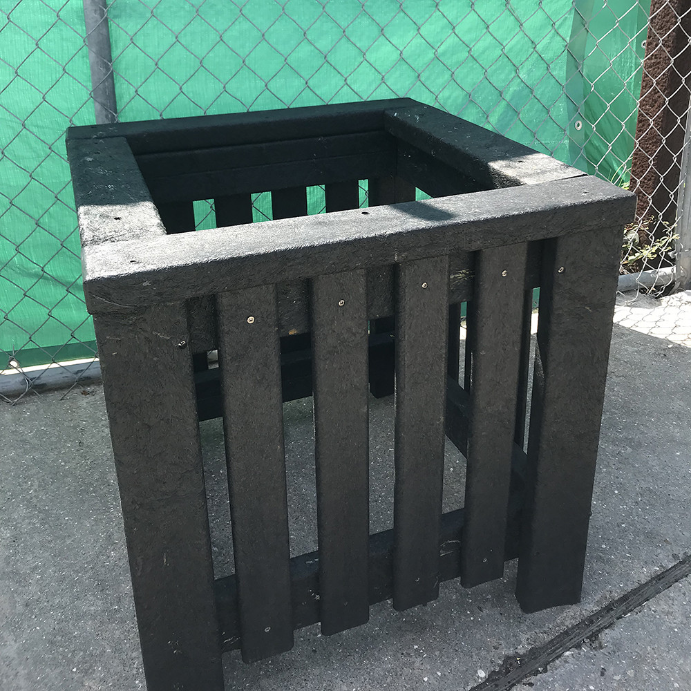 Planter with BestPLUS Black 2x4 & 1x3 Recycled Plastic Lumber