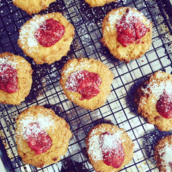 JAM AMERETTO BISCUITS