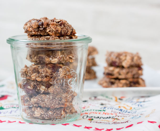 CHIA OATMEAL BREAKY COOKIES