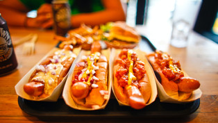 Warning! Junk foods can harm a teen's brain