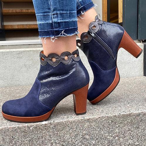 Chie Mihara støvlet