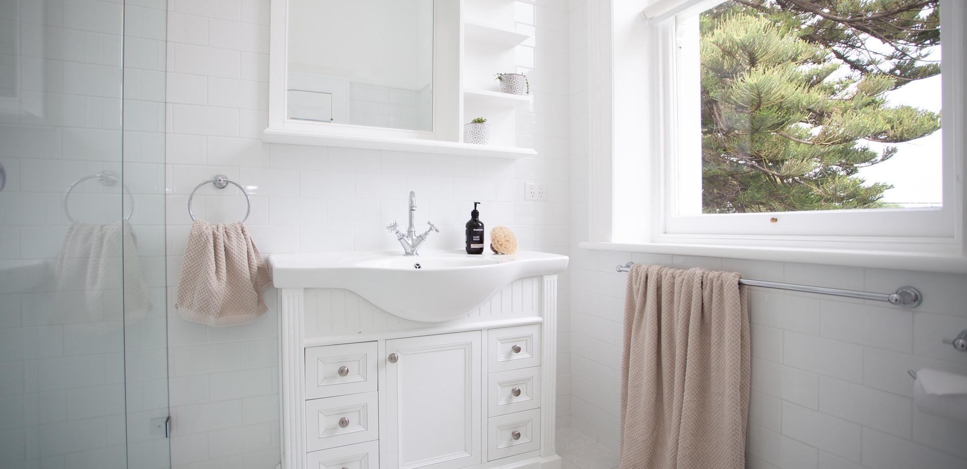 Osmond Suite_Bathroom 01.jpg